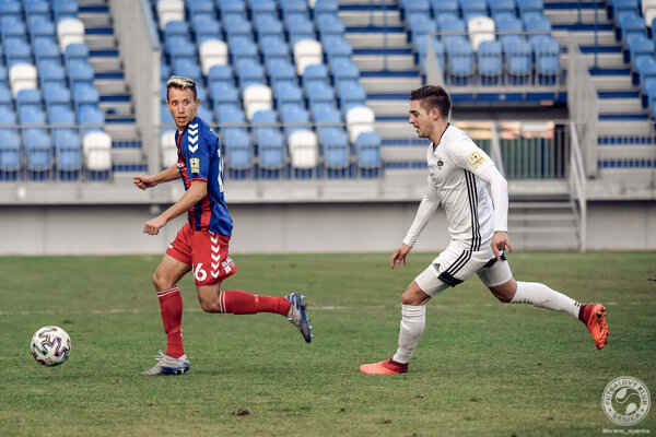Marko Totka (vľavo) v zápase proti Nitre.