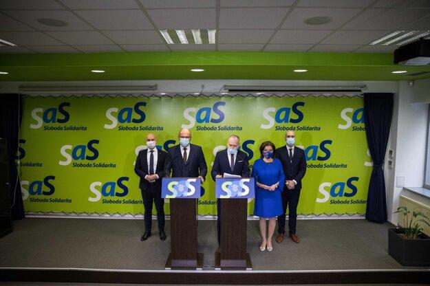 Strana SaS vyjadrila podporu svojmu predsedovi Richardovi Sulíkovi.