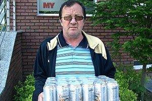 Víťazom 8. kola sa stal Juraj Hrnčár z Nitry. Pre pivo prišiel otec Pavol, ktorý hrá našu súťaž s dvoma tiketmi - na seba aj na syna.