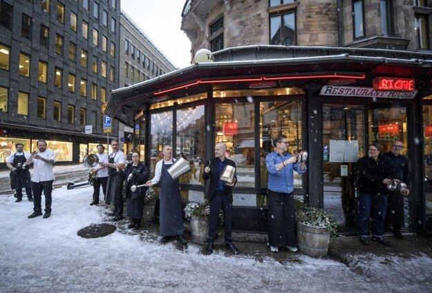 Protest majiteľov a zamestnancov reštaurácií v centre Štokholmu 14. januára.