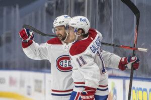 Tomáš Tatar a Brendan Gallagher sa tešia z gólu v drese Montreal Canadiens v NHL.