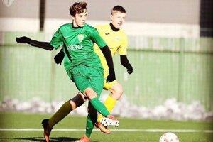 Tobias Dyroff (v zelenom) v zápasovom súboji v drese MŠK Žilina.