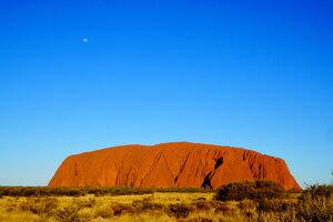 Posvätná hora pôvodných obyvateľov Austrálie (aboriginals) Uluru.