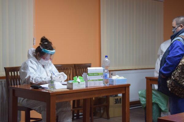 Testovanie v Lučenci aj na novom mieste, možné sedem dní v týždni