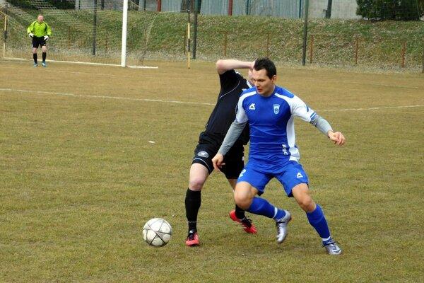 Michal Babic v derby zápase Leopoldov - Červeník.