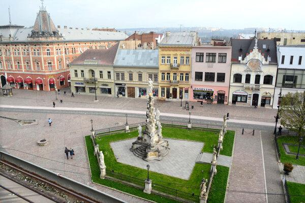 Po hroznej epidémii dali Košičania postaviť v centre mesta morový stĺp.