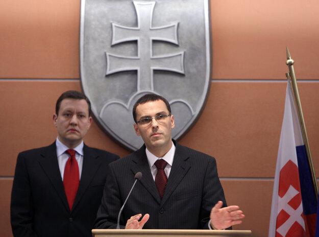 Lipšic a štátny tajomník ministerstva vnútra Maroš Žilinka počas tlačovej besedy, na ktorej reagovali na výroky generálneho prokurátora a ktorej reagovali na výroky generálneho prokurátora Dobroslava Trnku, december 2010.