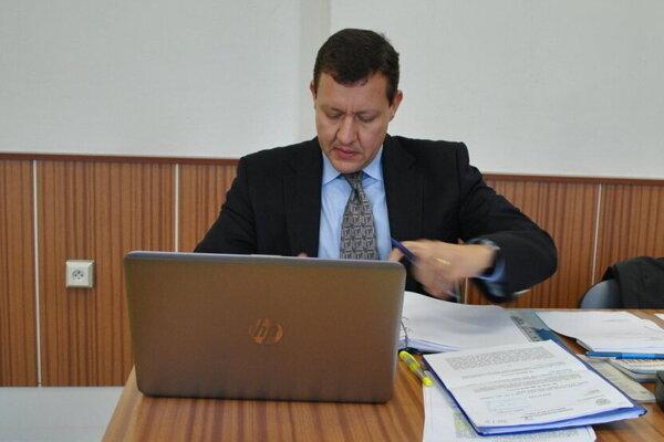 Daniel Lipšic na košickom súde na jednom z pojednávaní v kauze bratov Paškovcov, kde zastupoval poškodených.