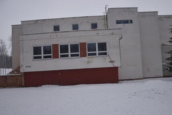 V tejto budove, ktorá je súčasťou anfiteátra, bude sídliť CVČ Kamarát. Najskôr od konca leta.