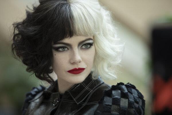 Emma Stone ako Cruella de Vil