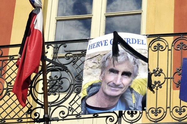 Fotografia francúzskeho horolezca Hervého Gourdela z Nice, ktorého zadržiavali a zavraždili alžírski militanti.