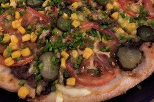 Netradičná pizza inšpirovaná obľúbenou zapiekankou.