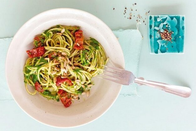 Špenátové špagety so sušenými paradajkami