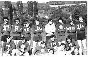 Futbalisti TJ Družstevník v roku 1976.