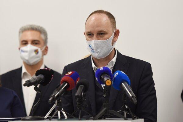 Predseda Trnavského samosprávneho kraja a predseda SK8 Jozef Viskupič.
