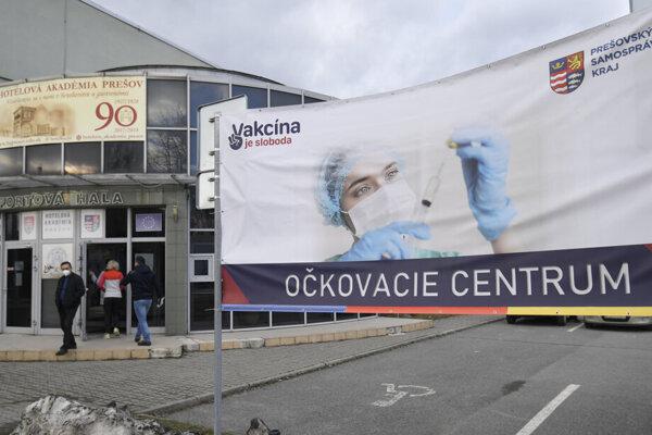 Očkovacie centrum v Prešove na Okružnej ulici.