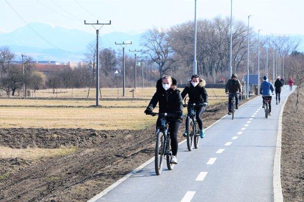 Nová cyklotrasa je hitom Matinčanov i Vrútočanov.