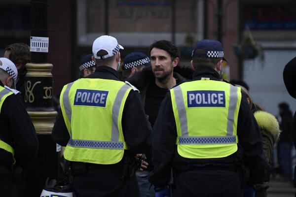 Protest v Londýn proti opatreniam.