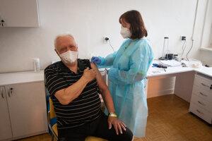 Samotné očkovanie netrvá vôbec dlho