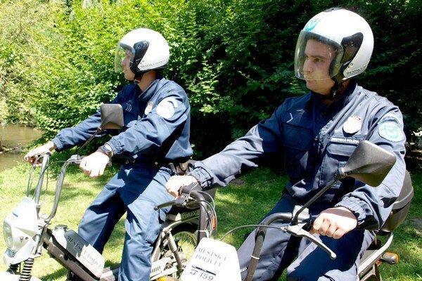 Mopedy majú nízku spotrebu.