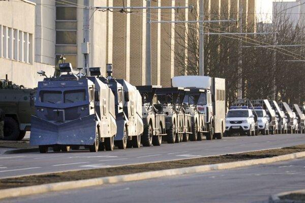Bezpečnostné zložky v Minsku.