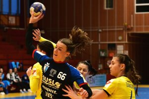 K výhre v Hodoníne prispela 4 gólmi Petra Varjassiová.