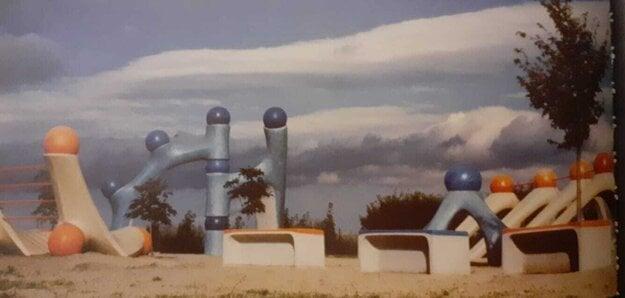 Ihrisko BCD Relax Triblavina krátko po dokončení v roku 1987.