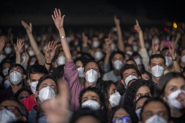 Za prísnych opatrení sa uskutočnil koncert účasťou 5000 ľudí