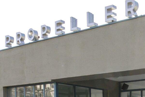 Budova Propelleru na Rázusovom nábreží.