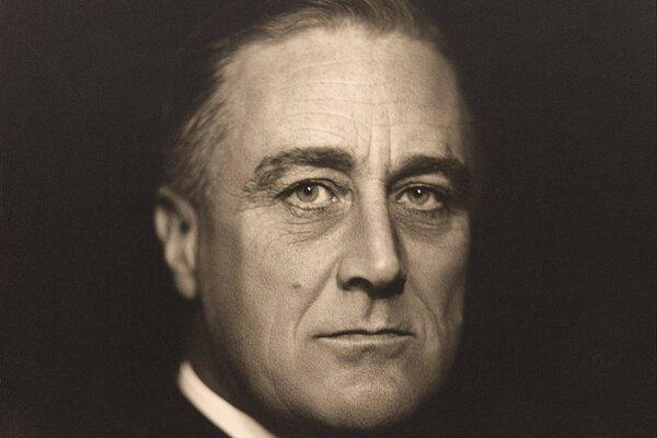 Fotografia F. D. Roosevelta zo začiatku 30. rokov 20. storočia.