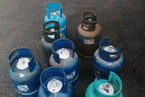 Ukradnuté plynové fľaše polícia vrátila majiteľovi.
