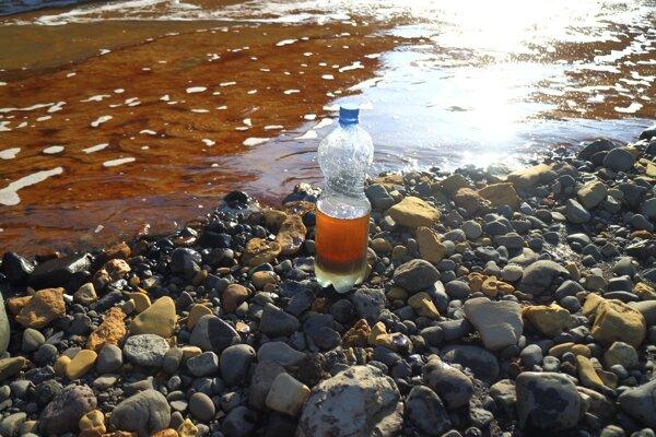 Pohľad na olejové škvrny neďaleko mesta Noriľsk.