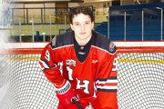 Adriána Stašiniaka si vybrala hokejová akadémia Okanagan aj na ďalšiu sezónu.