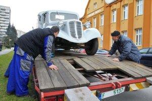 Tatra 43/52 valník