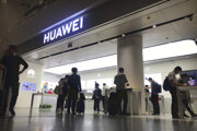 Predajňa spoločnosti Huawei na letisku v meste Šen-čen.