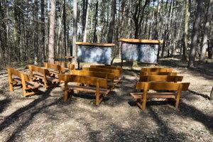 Lesná učebňa v lesoparku Brezina.