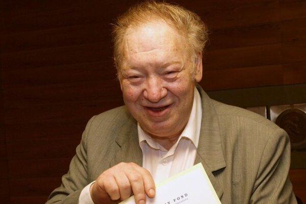 Literárny historik, kritik a prozaik Tomáš Winkler.