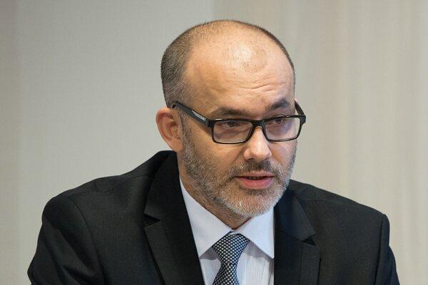 Primár transplantačného oddelenia UNLP Ľuboslav Beňa.
