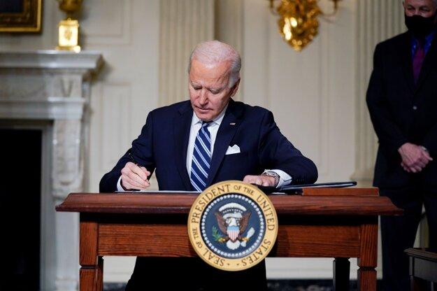 Biden menil klimatické politiky od začiatku v úrade.