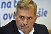Primátor Michaloviec Viliam Zahorčák (Smer).