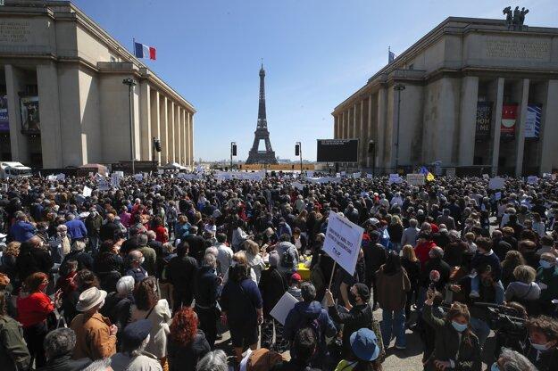 Spravodlivosť pre Halimiovú požadovalo v Paríži niekoľko tisíc demonštrantov.