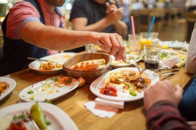 Iftar je prvé jedlo po celodennom pôste počas ramadánu