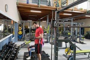 Ľudia sa na cvičenie vo fitnescentrách tešili. Ponúka iné možnosti než cvičenie doma.