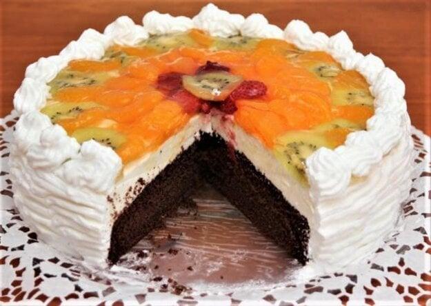 Svieža ovocná torta s tvarohom