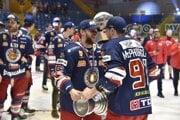 Allan McPherson a Mikko Nuutinen s majstrovským pohárom