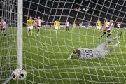 Feyenoord si dal v zápase dva vlastné góly.