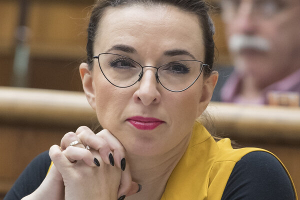 Simona Petrík.