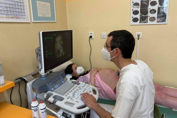 Nový prístroj umožňuje posunúť diagnostiku z druhého trimestra tehotenstva - do obdobia prvého trimestra.