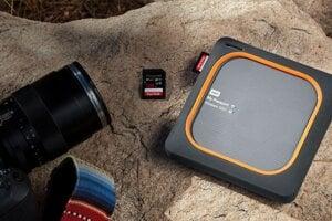 Zálohovanie fotiek zo smartfónu na bezdrôtový disk.