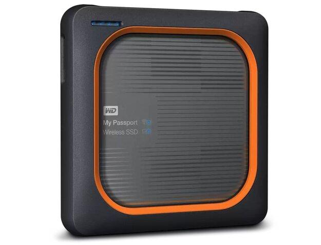 Má vlastnú batériu, čítačku pre pamäťovú kartu a súbory s ním môžete zálohovať bezdrôtovo.